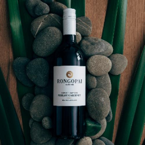 荣阁派梅洛赤霞珠混酿干型红葡萄酒
